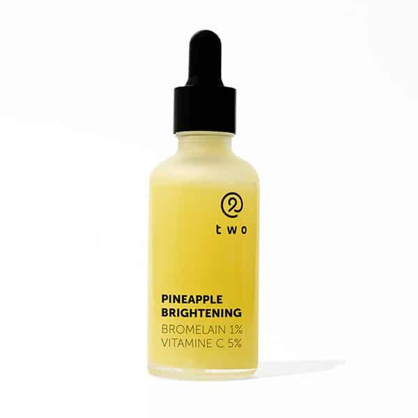 two rozjasnujuce pletove serum pineapple brightening prirodno